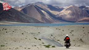 riding-with-lakes-and-mountains