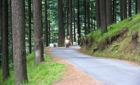 Getting used to the motorcycles in Manali