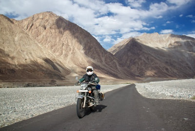 Customised motorcycle tours to the Himalayas