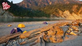 camping-along-the-siang